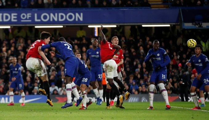Man Utd merr tri pikë në shtëpinë e Chelsea  VAR i vendimtar